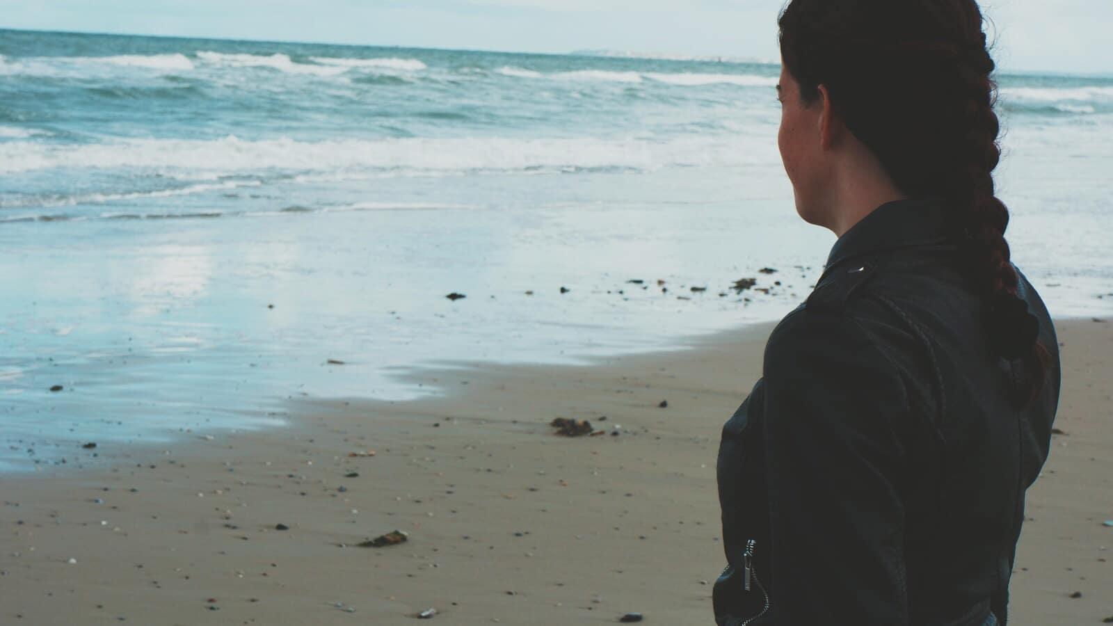 Ik kijk uit over de zee
